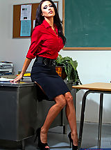 Black Heels, Gorgeous teacher Jessica Jaymes loves to have hot sex with her students.