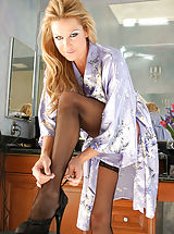 white stockings, Kelly shows you how she gets ready then uses a vibrator to orgasm.