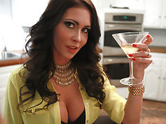 Horny milf Jessica Jaymes teaches her stepsons girlfriend Willow Hayes how to deep throat to kick off a wild threesome