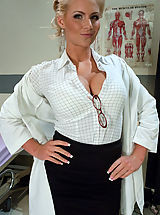 Hot Secretary, Sexy doctor gets double penetrated for fucking with a patient.