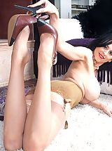Stiletto Heels, Busty Louise shows her rare girdle and sexy nyloned feet!