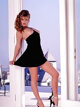 Suze Randall Pics: This beauty queen has got an all natural, slim figure perfect in and out of clothes.