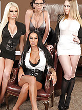 Alexis Ford, Angelina Valentine, Kagney Linn Karter, Phoenix Marie, Keiran Lee in Office 4-Play III