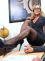 Heel Crush, Brandi Love